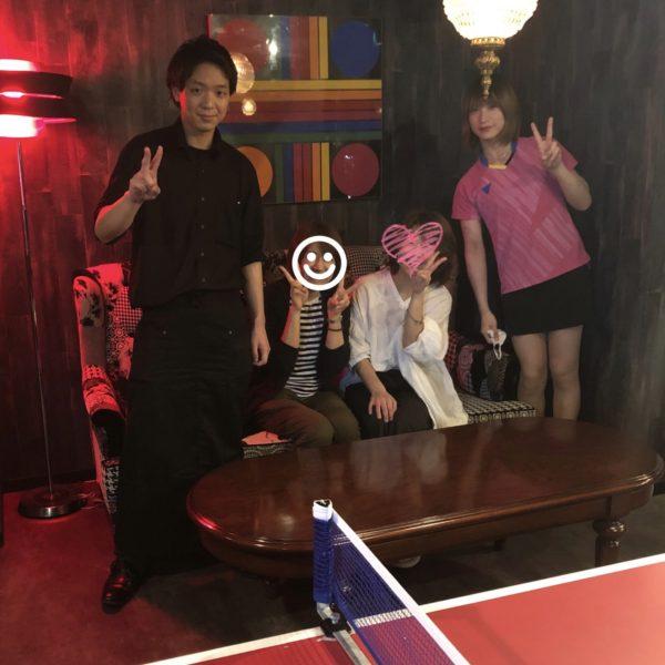 店長&バイトの女の子と我々も、 写真撮影してもらえました! (撮影 by 国広さん)